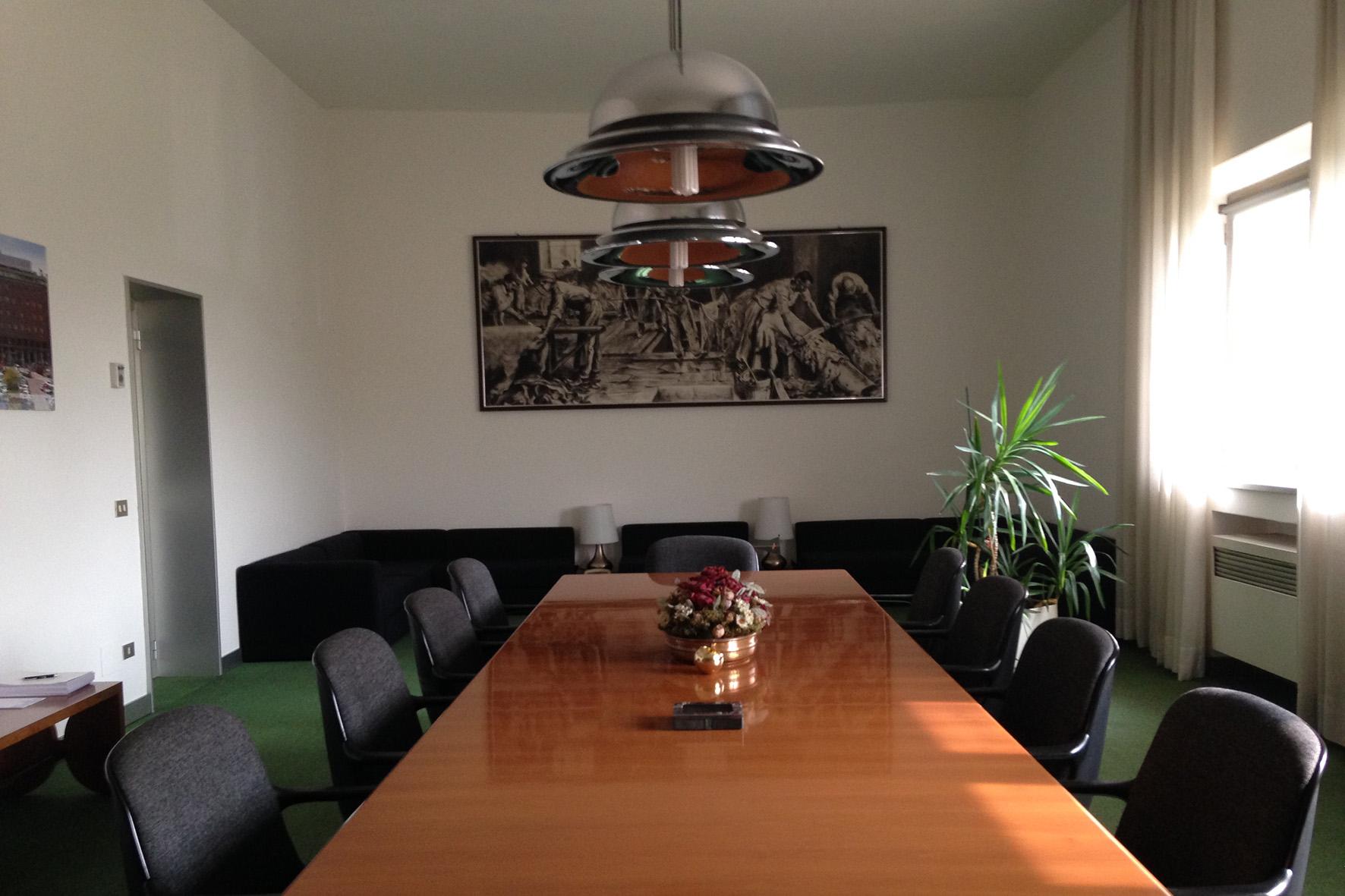 Sala riunioni comest italiana spa for Sala riunioni